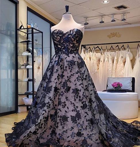 unique non-traditional plus size wedding dress